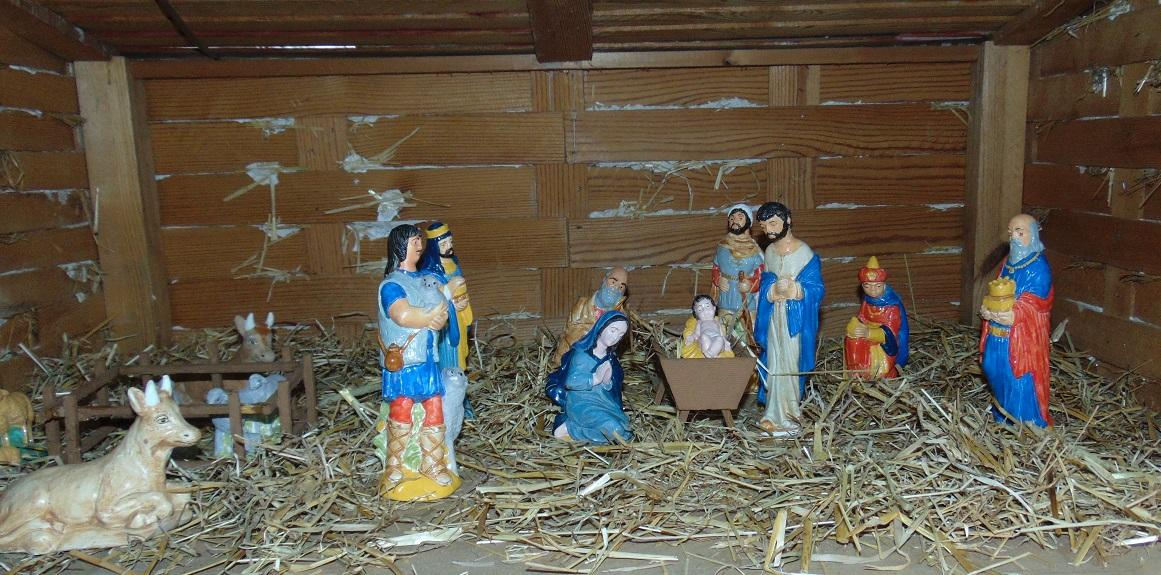 St Andrews Small Nativity